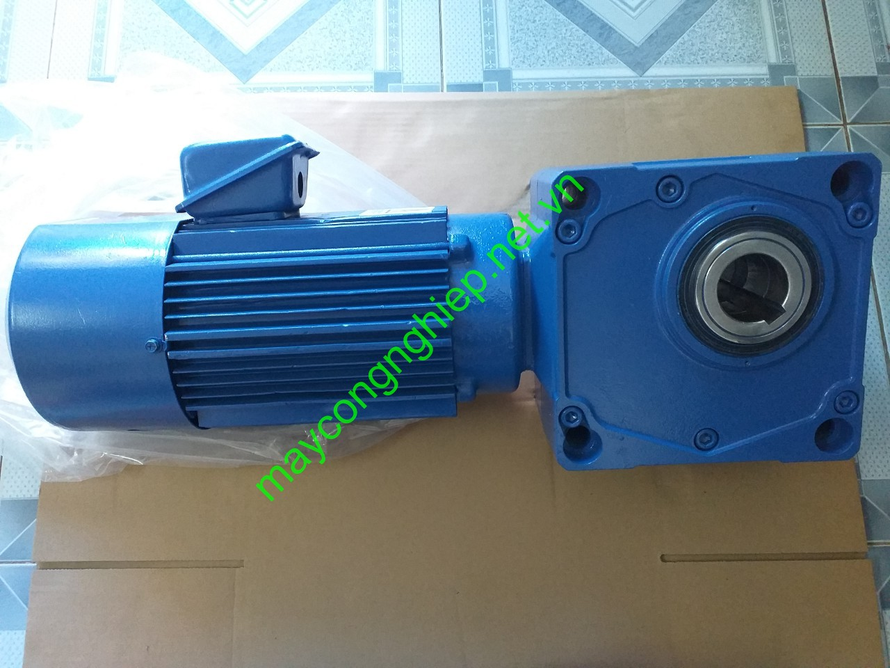 motor-giam-toc-cot-am-sumitomo-hyponic-2-2kw-1-50